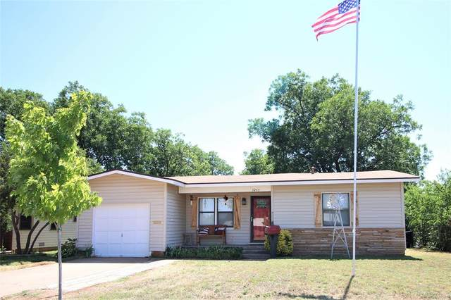1265 S Pioneer Drive, Abilene, TX 79605 (MLS #14358094) :: The Kimberly Davis Group