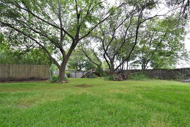 1438 S Main Street, Mansfield, TX 76063 (MLS #14358295) :: Tenesha Lusk Realty Group