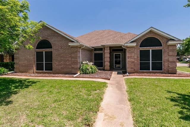 7100 Jeffrey Street, North Richland Hills, TX 76182 (MLS #14358749) :: The Chad Smith Team