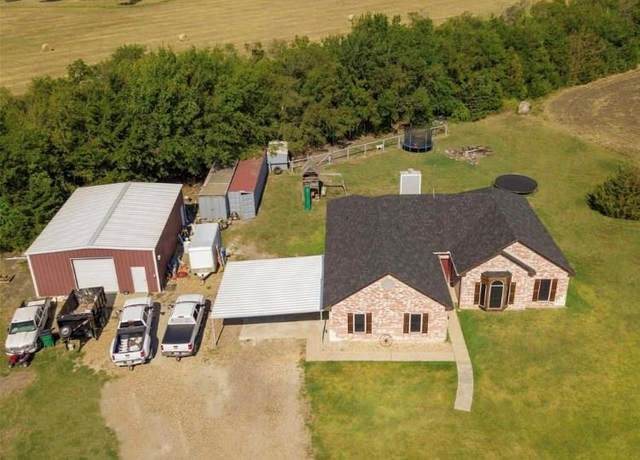 386 County Road 4443, Trenton, TX 75490 (MLS #14358814) :: Baldree Home Team