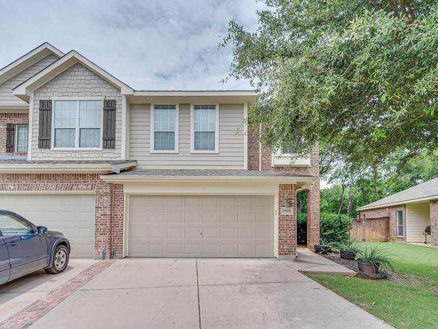 1522 Piedmont Drive, Mansfield, TX 76063 (MLS #14358974) :: The Chad Smith Team