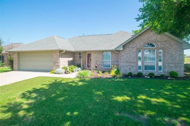 108 Radecke Road, Krum, TX 76249 (MLS #14359084) :: Trinity Premier Properties