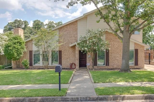 2020 Oakmeadow Street, Bedford, TX 76021 (MLS #14359119) :: The Chad Smith Team