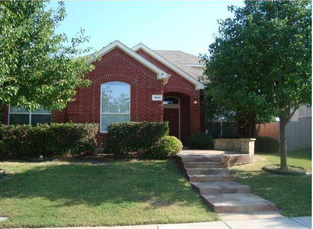 5921 Deer Run Drive, Mckinney, TX 75070 (MLS #14359601) :: Tenesha Lusk Realty Group