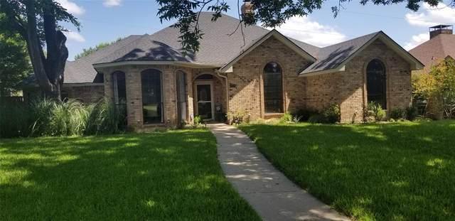 1437 Covington Drive, Desoto, TX 75115 (MLS #14359851) :: The Chad Smith Team