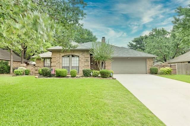 1302 Spyglass Drive, Mansfield, TX 76063 (MLS #14363660) :: Trinity Premier Properties
