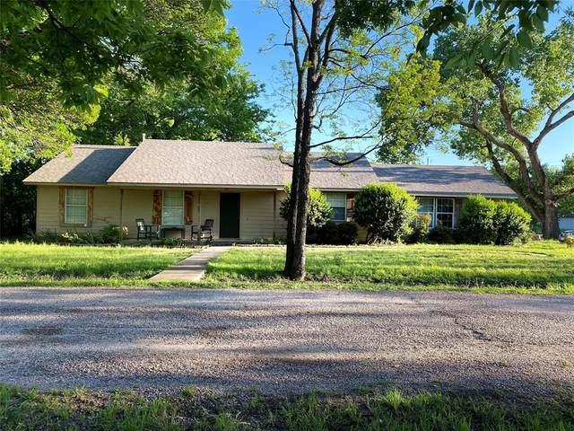 800 Lee Street, Tioga, TX 76271 (MLS #14364374) :: The Good Home Team