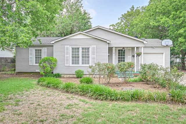 208 Tarrant Avenue, Burleson, TX 76028 (MLS #14364562) :: Baldree Home Team