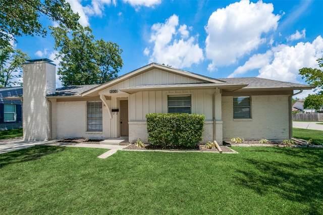 200 Ocean Drive, Richardson, TX 75081 (MLS #14364709) :: The Chad Smith Team
