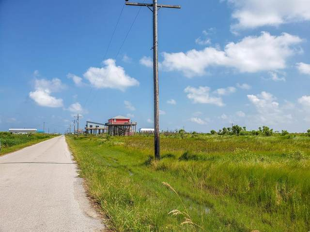 336-337 Mabry, Gilchrist, TX 77617 (MLS #14364894) :: The Kimberly Davis Group