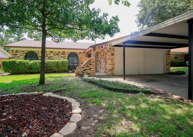7537 Meadowbrook Drive, Watauga, TX 76148 (MLS #14365089) :: The Rhodes Team