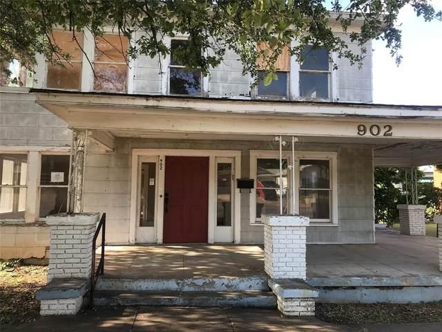 902 W Walker Street, Breckenridge, TX 76424 (MLS #14365407) :: The Kimberly Davis Group