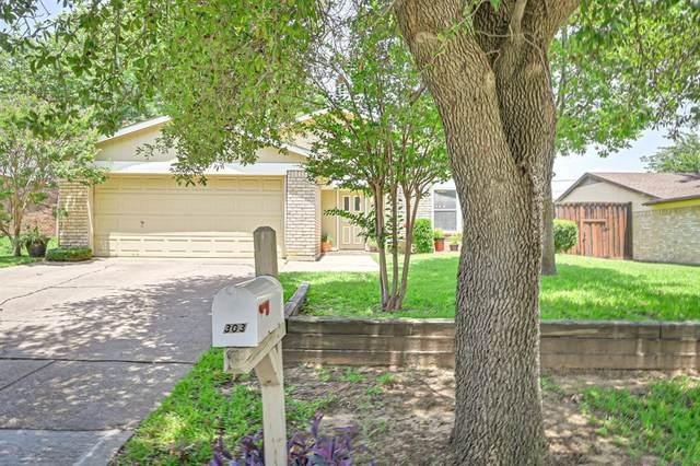 303 Hallmark Drive, Arlington, TX 76011 (MLS #14366703) :: The Good Home Team