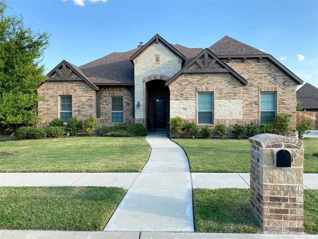 7222 Lone Star Way, Midlothian, TX 76065 (MLS #14366942) :: The Hornburg Real Estate Group