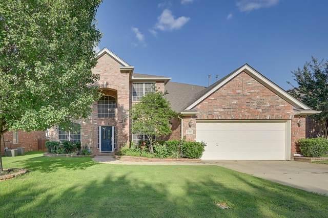 6705 Glade Drive, Arlington, TX 76001 (MLS #14368270) :: RE/MAX Pinnacle Group REALTORS