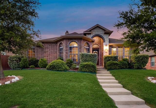 1260 Waters Edge Drive, Rockwall, TX 75087 (MLS #14368735) :: Team Tiller