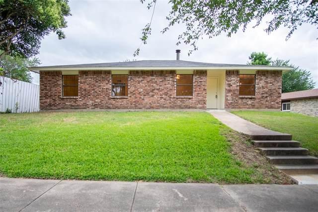 3402 Meadow Oaks Drive, Garland, TX 75043 (MLS #14369900) :: Frankie Arthur Real Estate