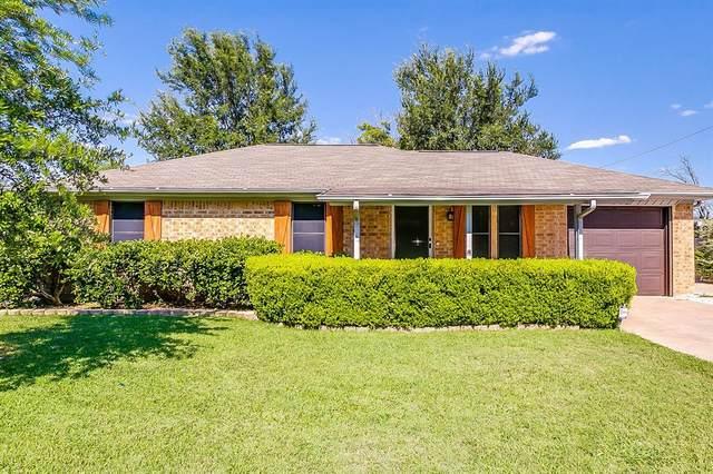 445 White Oak Lane, Burleson, TX 76028 (MLS #14370484) :: Baldree Home Team