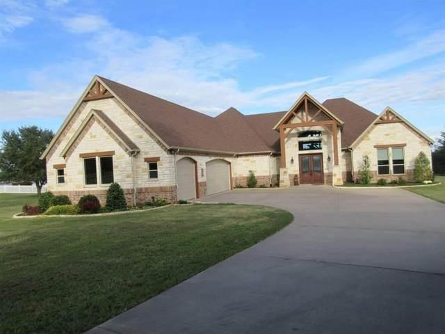 1902 W Emerald Bend Court, Granbury, TX 76049 (MLS #14370563) :: NewHomePrograms.com LLC