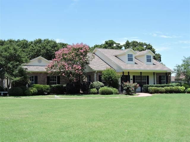 1103 Oak Bend Drive, Kaufman, TX 75142 (MLS #14370703) :: Tenesha Lusk Realty Group