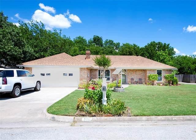 506 N 2nd Street, Krum, TX 76249 (MLS #14371276) :: The Heyl Group at Keller Williams