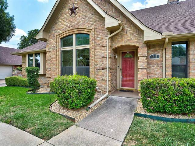 1818 Green Tree Lane, Duncanville, TX 75137 (MLS #14372429) :: Robbins Real Estate Group