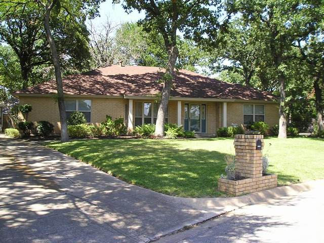 1004 Sean Court, Hurst, TX 76053 (MLS #14373369) :: The Mitchell Group