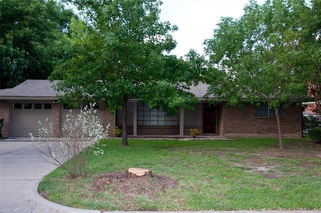 2402 Avondale Drive, Greenville, TX 75402 (MLS #14373381) :: The Kimberly Davis Group