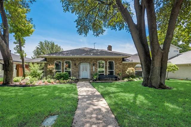 9408 Mill Hollow Drive, Dallas, TX 75243 (MLS #14373467) :: Frankie Arthur Real Estate