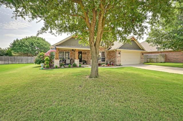 709 Twin Oaks Court, Burleson, TX 76028 (MLS #14373643) :: Baldree Home Team
