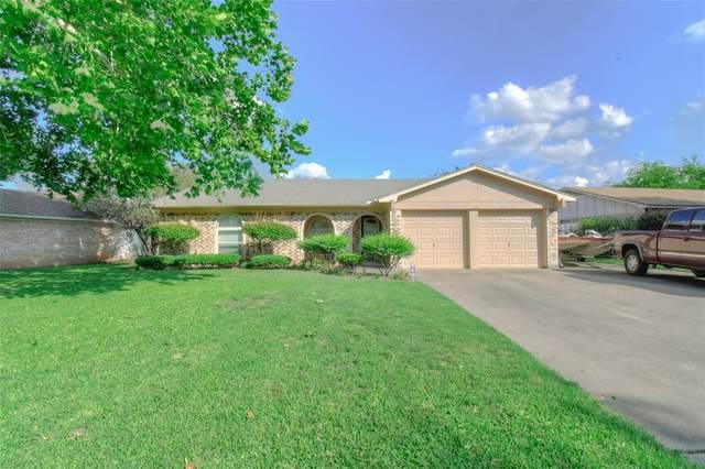 1620 Timberline Drive, Benbrook, TX 76126 (MLS #14373920) :: Team Hodnett