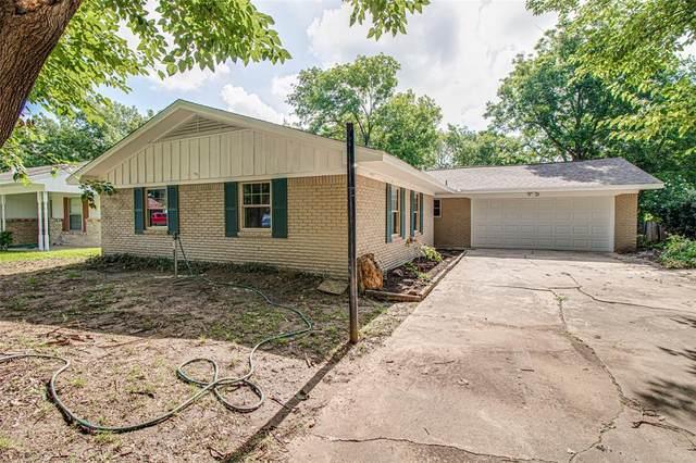 102 Hillcrest Street, Sanger, TX 76266 (MLS #14373973) :: Hargrove Realty Group
