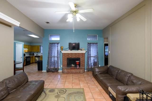 6320 Royal Cedar Drive, Dallas, TX 75236 (MLS #14374355) :: Robbins Real Estate Group
