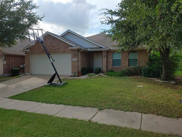 1317 Mockingbird Drive, Aubrey, TX 76227 (MLS #14374697) :: The Kimberly Davis Group