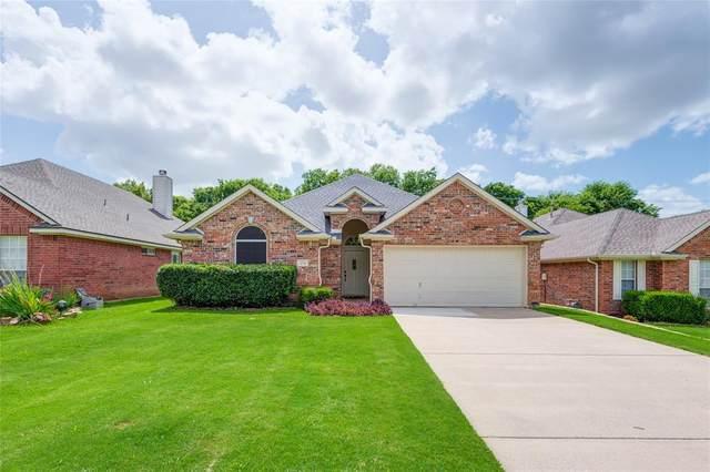 106 Blue Bonnet Circle, Justin, TX 76247 (MLS #14374757) :: North Texas Team | RE/MAX Lifestyle Property