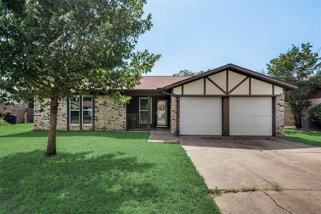 7513 Meadowlark Lane N, Watauga, TX 76148 (MLS #14374822) :: Justin Bassett Realty