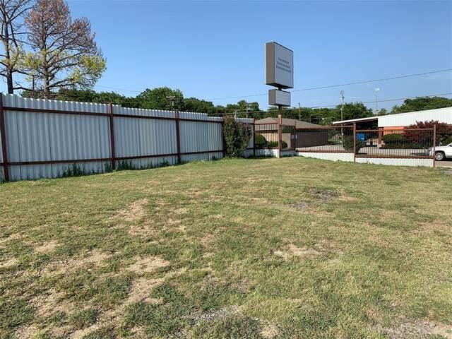 3328 Phoenix Drive, Fort Worth, TX 76116 (MLS #14374892) :: The Mitchell Group