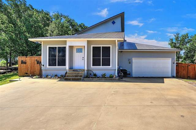 211 Kiowa Drive E, Lake Kiowa, TX 76240 (MLS #14374897) :: Trinity Premier Properties