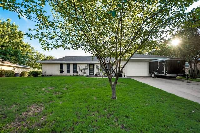 1300 Mildred Lane, Benbrook, TX 76126 (MLS #14375314) :: Team Hodnett