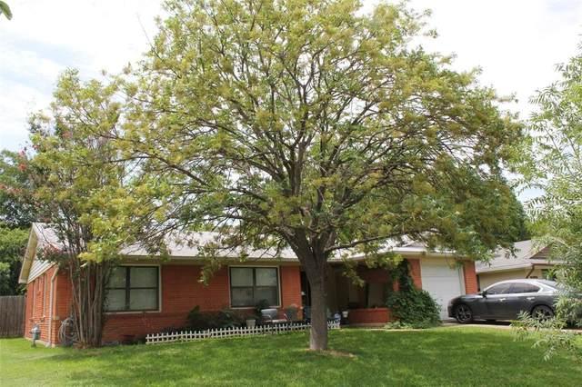 1710 Glen Key Street, Grand Prairie, TX 75051 (MLS #14375404) :: Justin Bassett Realty