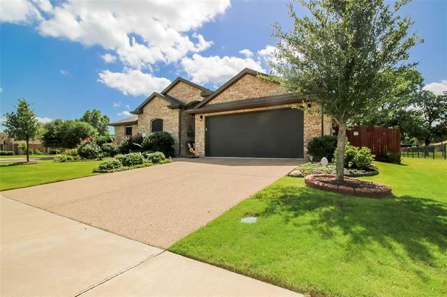 1021 Ashton Drive, Azle, TX 76020 (MLS #14375570) :: Tenesha Lusk Realty Group