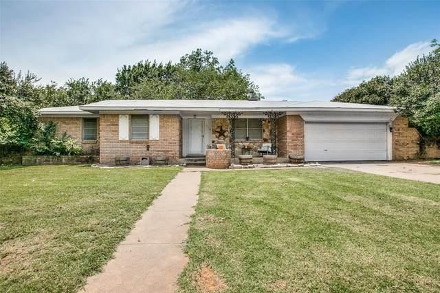 719 Lipan Drive, Granbury, TX 76048 (MLS #14375779) :: Robbins Real Estate Group