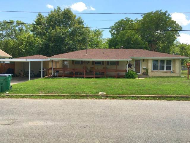 310 Small, Bowie, TX 76230 (MLS #14375994) :: Real Estate By Design