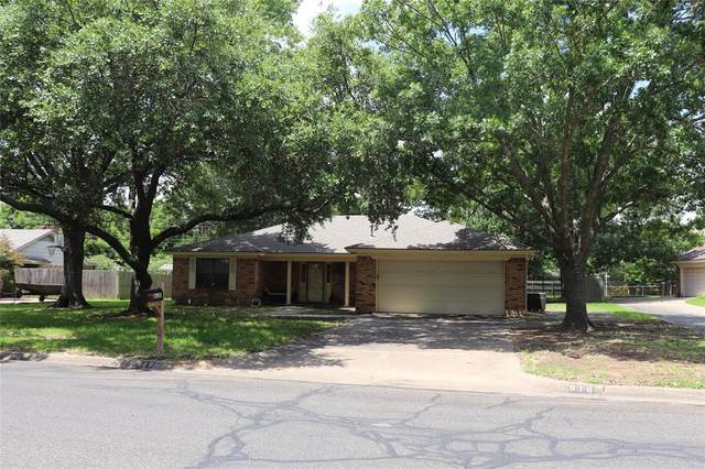 818 S Ridgeway Drive, Cleburne, TX 76033 (MLS #14376248) :: Robbins Real Estate Group