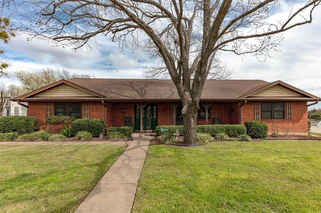1311 Rona Street, Weatherford, TX 76086 (MLS #14376472) :: NewHomePrograms.com LLC