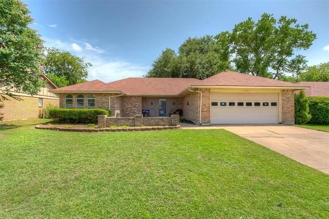 1112 Timbercreek Road, Benbrook, TX 76126 (MLS #14376775) :: Team Hodnett
