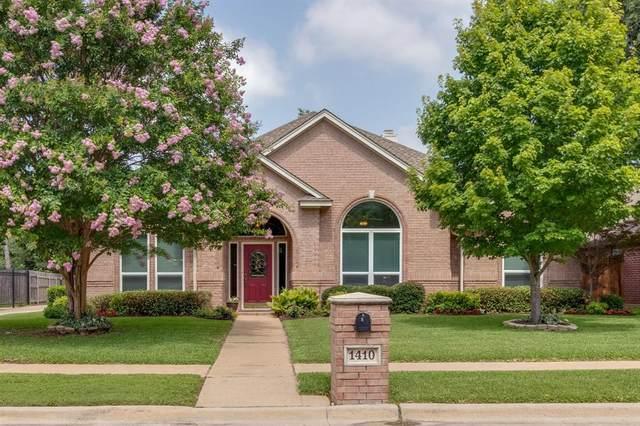 1410 The Lakes Court, Keller, TX 76248 (MLS #14376889) :: Century 21 Judge Fite Company