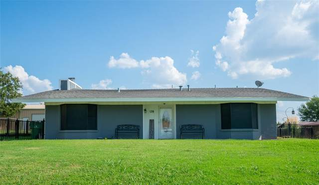 139 Zipper Street, Bowie, TX 76230 (MLS #14377014) :: Real Estate By Design