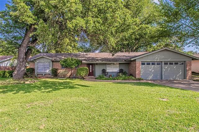 6909 Chickering Road, Fort Worth, TX 76116 (MLS #14377048) :: Team Hodnett