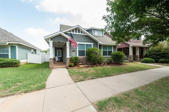 10125 Hanover Drive, Providence Village, TX 76227 (MLS #14377110) :: Frankie Arthur Real Estate